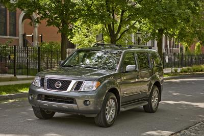 Used 2009 Nissan Pathfinder LE