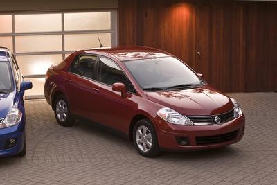 Used 2010 Nissan Versa SL