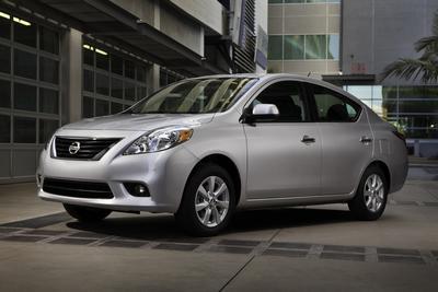 New 2012 Nissan Versa 1.8 SL