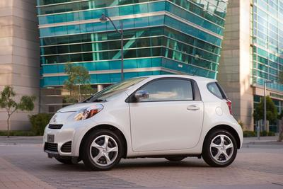 Certified 2013 Scion iQ 3-DOOR LIFTBACK