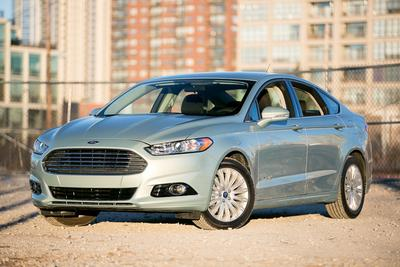 New 2013 Ford Fusion Hybrid