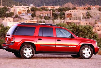 2004 Chevrolet Trailblazer >> 2004 Bmw X3 Vs 2004 Chevrolet Trailblazer Ext Vs 2004 Gmc Envoy Vs 2004 Mercury Mountaineer Cars Com