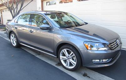 Cars.com Family Reviews the 2012 Volkswagen Passat