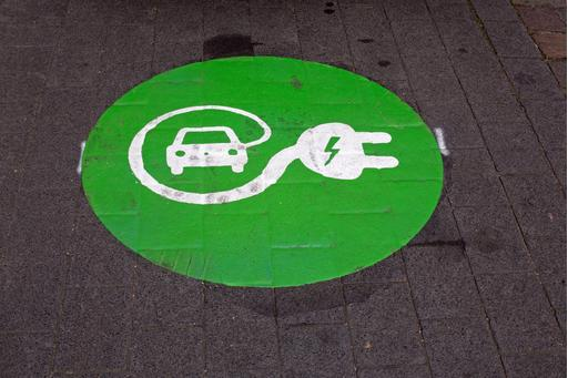 Electric Cars: Why You Want 'Em, Why You Fear 'Em