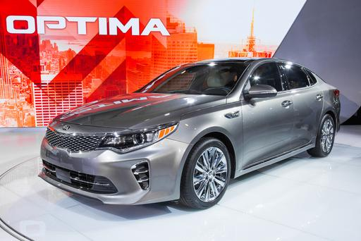 IIHS Names 2016 Kia Optima a Top Safety Pick Plus