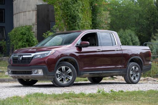 2017 Mid-Size, Full-Size Pickup Truck Driving Ranges