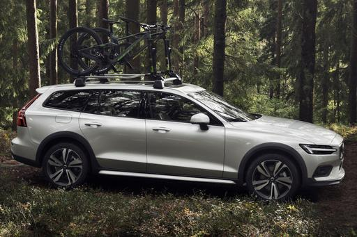 When Is a Wagon Not a Wagon? When It's Volvo's New V60 Cross Country