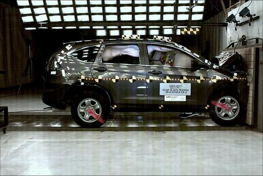 2016 Honda CR-V Earns NHTSA's Five-Star Safety Rating