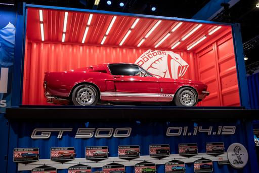 Ford Gets Jump on Detroit Auto Show With Mustang Shelby GT500 Tease