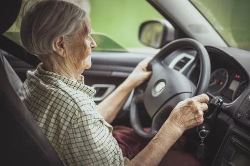 Seniors Fail to Use Devices That Prolong Driving Years