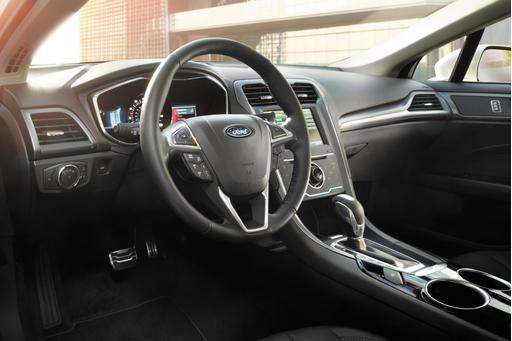 Feds Probe Loose Ford Fusion Steering Wheels