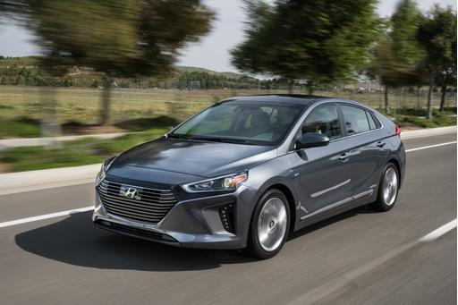 2017 Hyundai Ioniq: First Look