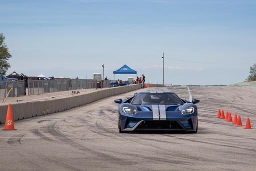 Video: 2018 Ford GT Supercar Hot Lap at Road America