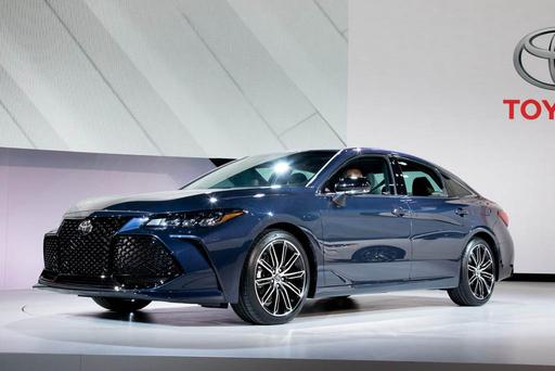 2019 Toyota Avalon Stands Alone Among Rivals With Top Crash Test