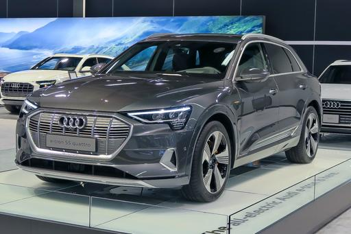 2019 Audi e-tron Sets High e-xpectations for Future of Electric SUVs
