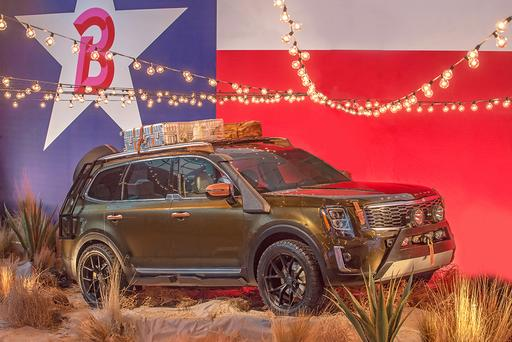2020 Kia Telluride Debuts at Fashion Show, Not Auto Show