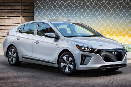 Hyundai Adds Ioniq Plug-In Hybrid With 29 Miles of Electric Range
