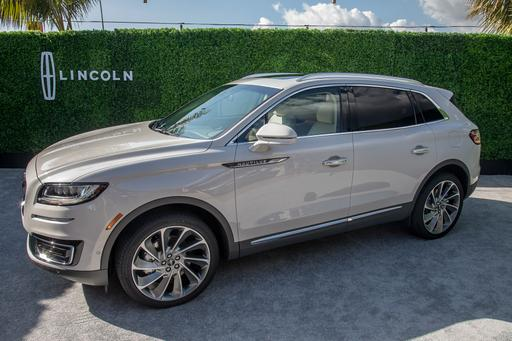 New Name, New Price: Ex-MKX 2019 Lincoln Nautilus Starts at $41K
