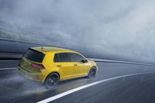 One Does Want a Hint of Color: VW Golf R Buyers Can Choose From 40 Hues