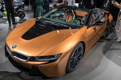 2019 Bmw I8 Roadster More Juice In Your Tank More Wind In Your