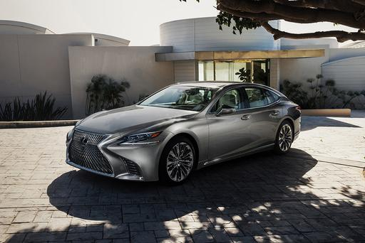 Lexus: Don't Call 2018 LS' Autonomous Features 'Self-Driving'