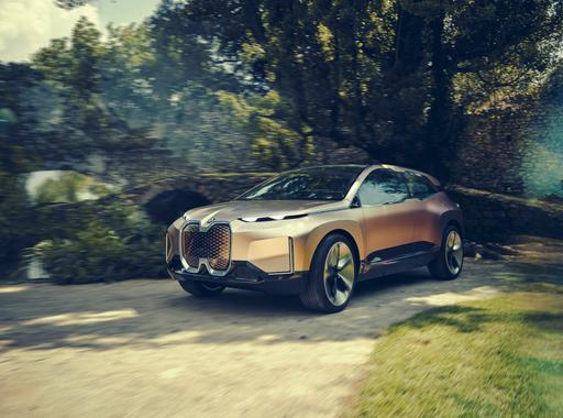 5 Ways BMW's Vision iNext Autonomous Electric SUV Sees the Future