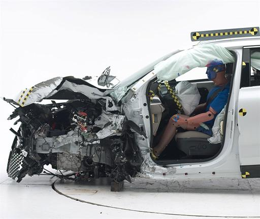 2016 Kia Sorento Earns IIHS Top Safety Pick Award