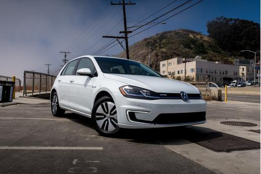 2017 Volkswagen e-Golf Review: Quick Spin