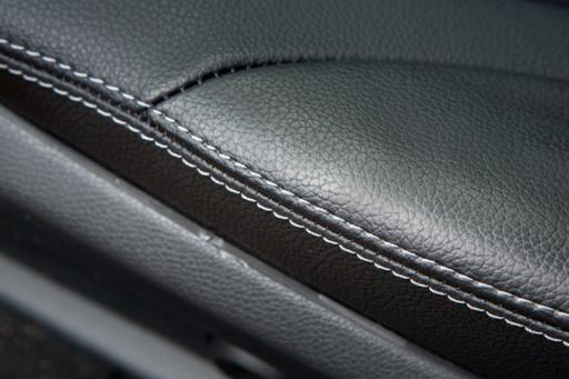 What Are The Pros And Cons of Leather and Leatherette?