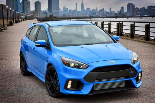 2016 Ford Focus RS Focuses on Fast