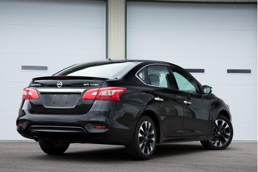 2017 Nissan Sentra SR Turbo Review: Quick Spin