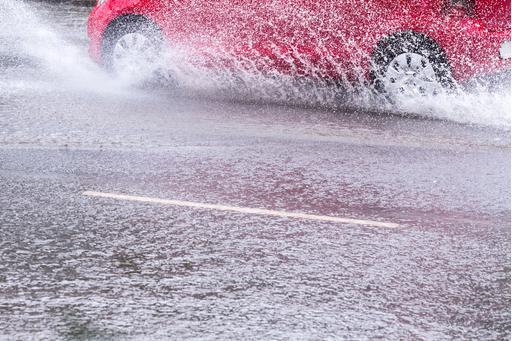 Hurricane Matthew Motorists: Beware Floods, Fraud