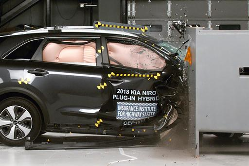 2018 Kia Niro Burns Toyota Prius in IIHS Crash Tests (Well, Sorta)