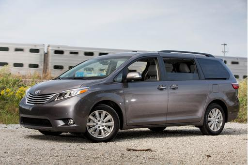 Does the 2017 Toyota Sienna's Engine Update Boost Its Swagger?