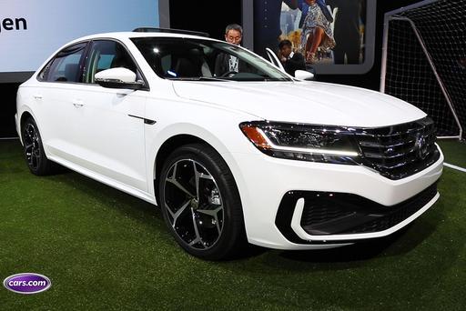 2020 Volkswagen Passat Video: Low-Key Updates Are Hit-or-Miss