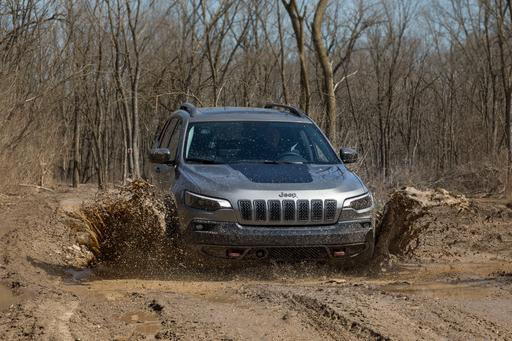 We Went Off-Roading in the 2019 Jeep Cherokee Again, 'Cuz Why Not?