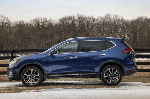 Top 5 Reviews and Videos of the Week: Nissan Rogue Takes a Run at RAV4