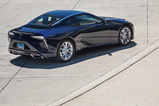 Top 5 Reviews and Videos of the Week: Lexus LC 500h Attracts Admirers