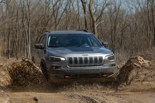 Top 5 Reviews and Videos of the Week: 2019 Jeep Cherokee Is This Close to Great