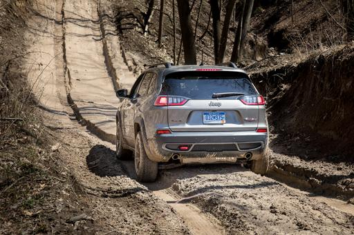 2019 Jeep Cherokee Makes Our Top 5 Car Reviews This Week