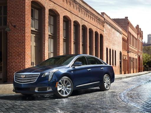 Cadillac Refreshes XTS for 2018 With Updated Tech