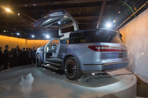 Lincoln Navigator Concept Photo Gallery