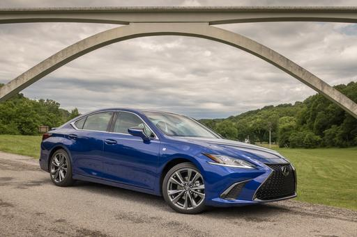 2019 Lexus ES 350 and ES 300h First Drive: So Close to Greatness
