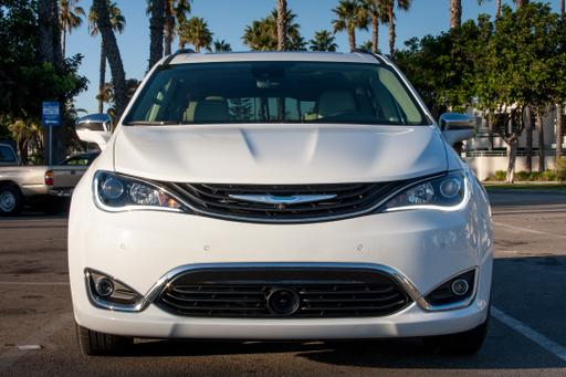 2017 Chrysler Pacifica Hybrid Rated 84 MPG-E