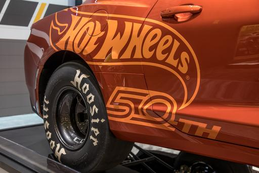 Chevrolet Camaros at SEMA: Orange Is the New Track