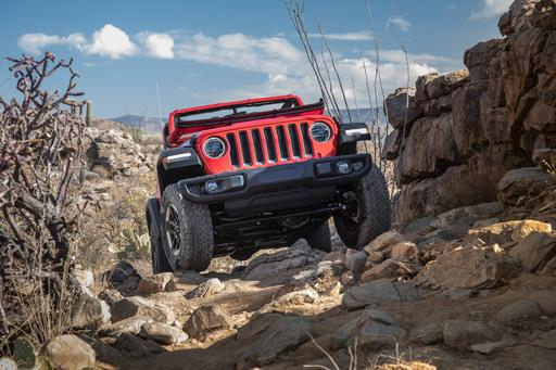 2018 Jeep Wrangler First Drive: Over the River and Through the Cacti