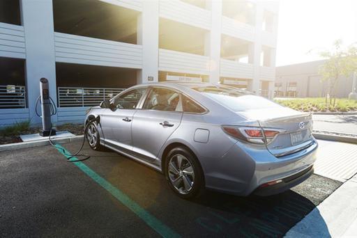 2016 Hyundai Sonata Plug-in Good for 27 Miles of Electric Range