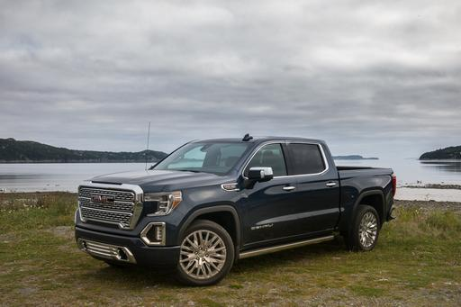 2019 GMC Sierra 1500 First Drive: Fraternal or Identical Twin?