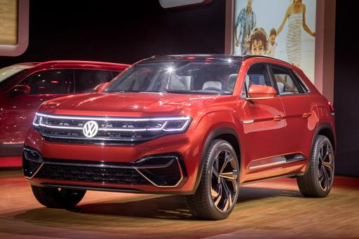Photo Gallery: VW Atlas Cross Sport Concept Stresses Style Over Seating