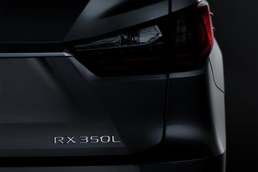 Lexus Prescribes Three Rows for 2018 RX